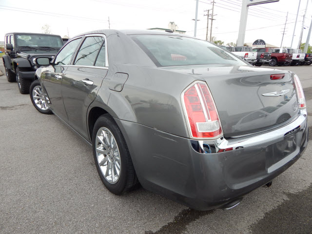 Pre-Owned 2011 Chrysler 300 HEMI