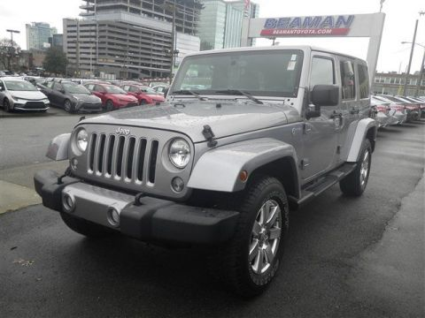 Pre-Owned 2016 Jeep Wrangler Unlimited Sahara 4WD Convertible