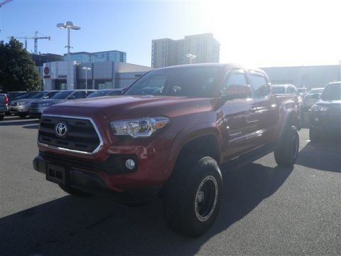 Pre-Owned 2017 Toyota Tacoma 4X4 4WD Crew Cab Pickup
