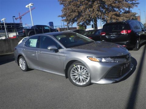 New 2020 Toyota Camry Hybrid XLE FWD 4dr Car